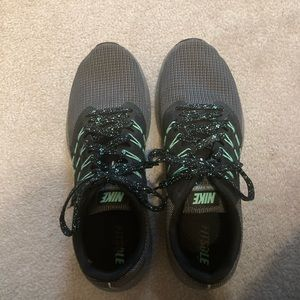 🌵nike women's athletic shoes size 11
